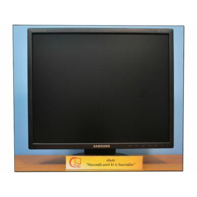 """Samsung 943 19"""" LCD monitor"""