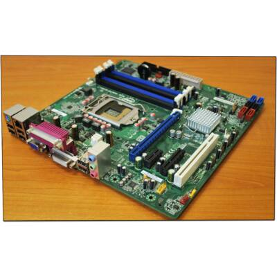 Intel DQ670W s1155 alaplap